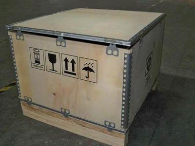 优质钢带木箱